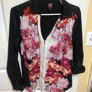 Women's floral zip up blouse